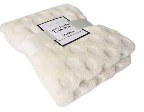 CREAM COLOUR CIRCLES FAUX FUR THROW